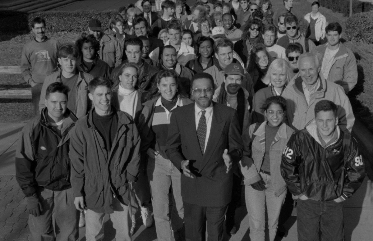Be a part of the Community Photo with Dr. Hrabowski